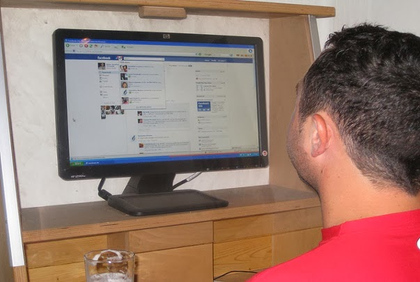 How to Avoid Being Stalked on Facebook