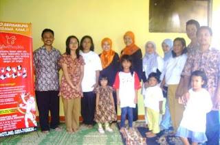 Para Pendiri dan Pengajar di Yayasan Mada Krisna