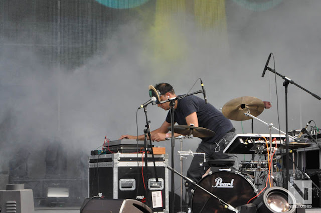 "DSC0946 SBTRKT   ""Live @ Ultra 2012"" / ""Hold On"" (VTT Photos / Official Music Video)"