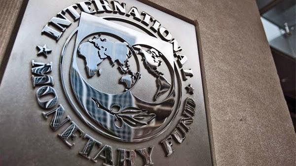 INTERNASIONAL Monetary Fund (IMF) memuji pengelolaan makro ekonomi Indonesia yang dinilai telah meningkatkan kredibilitas kebijakan dan ketahanan eksternal di Indonesia. Peneliti Lingkar Studi Perjuangan (LSP), Gede Sandra menegaskan, pujian lembaga donor tersebut hanya gombal belaka. Selama melaksanakan kebijakan neoliberal semacam pencabutan subsidi energi, IMF pasti akan memuji pemerintahan suatu negara.