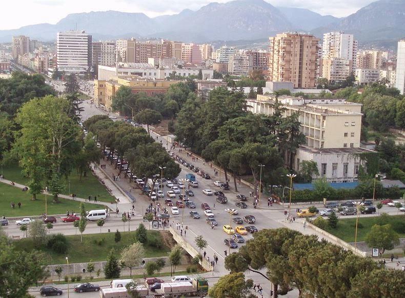 Dëshmorët e Kombit boulevard in Tirana.