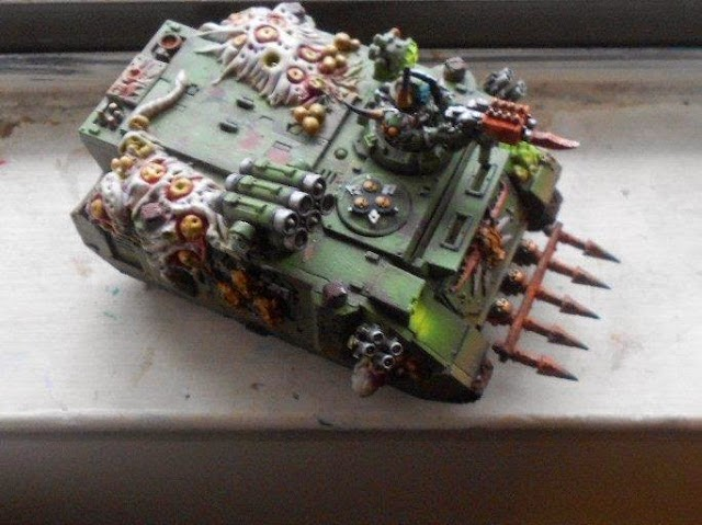 Great Charity Auctions, Blood Angels vs Black Templar, and Death Guard Rhinos