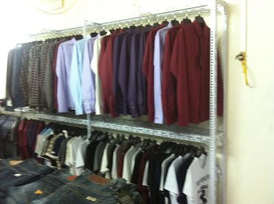 kệ treo quần áo