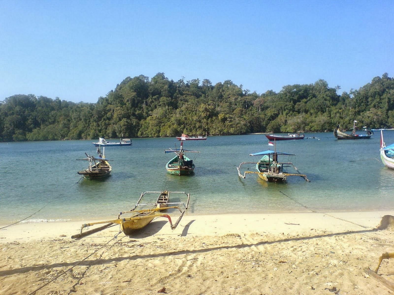 Daftar Wisata Pantai Malang Pantai Sendang Biru