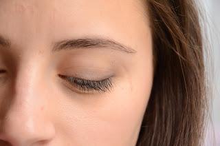 maquillage oeil fermé