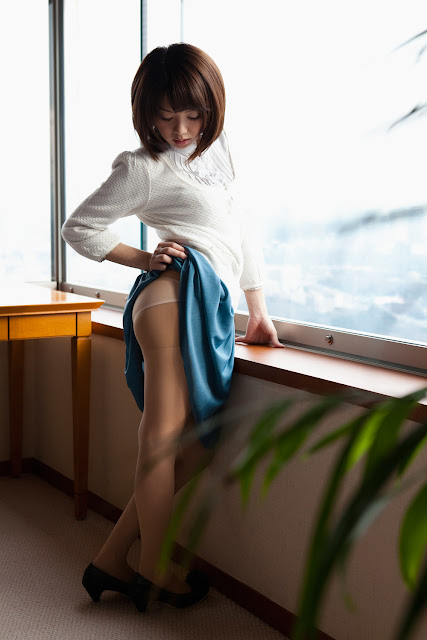 Nozomi+Mayu+hello+office+girl05.jpg