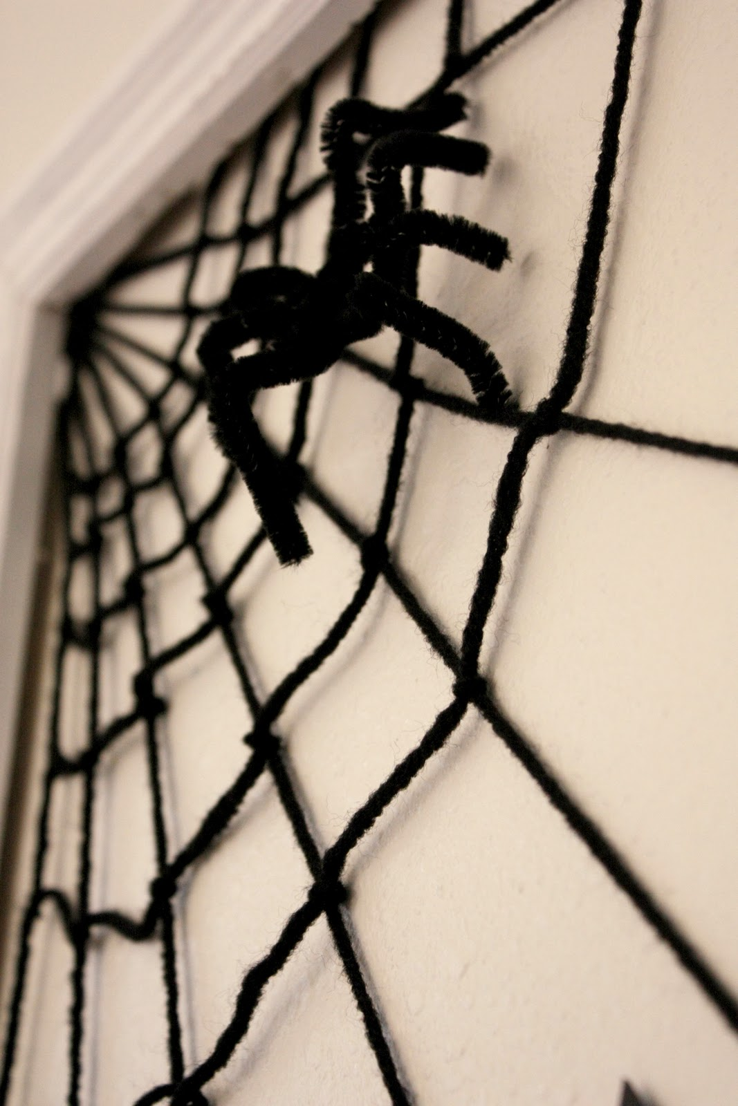 halloween paper decor. Black Bedroom Furniture Sets. Home Design Ideas