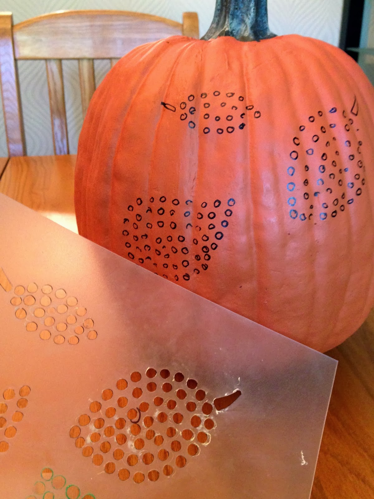 Decorella: carving pumpkins with power tools