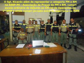 O sgt. ricardo juntamente com oficias e praças do 1ºbpm em 26 de julho de 2013