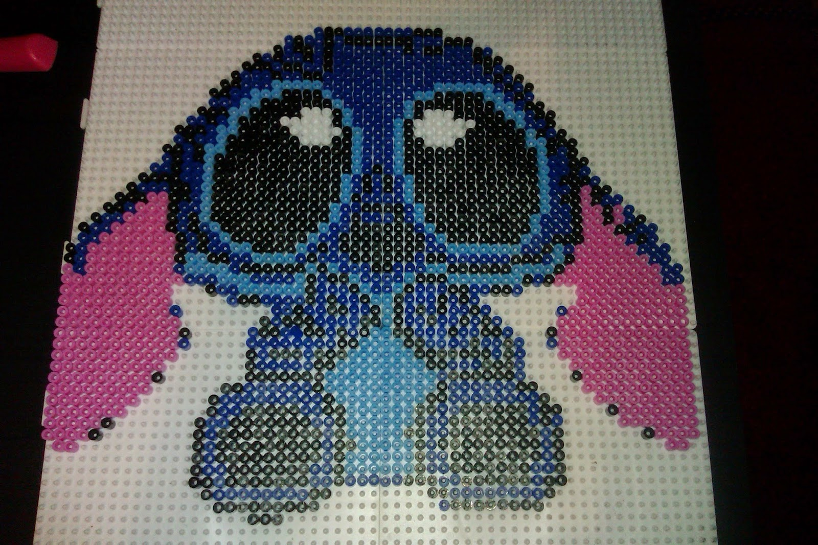 Relativ pixel art en perle hama: deviantart : bébé stitch en perle hama XT23
