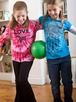 Party games for Couples - Balancing the ball