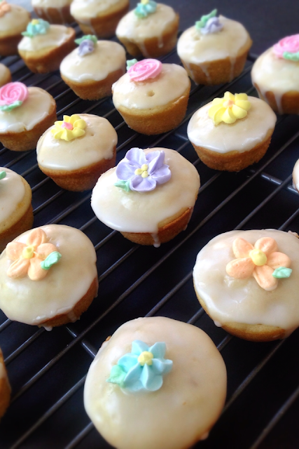 ginger peach cakes cupcakes flowers