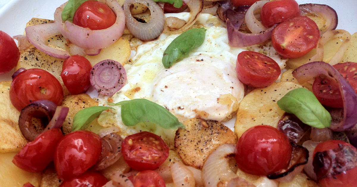 Cocina con ana huevos con patatas y tomatitos al aceite - Ana cocina facil ...