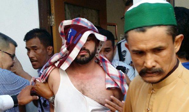 Tampar Imam - Inikah Punca Kenapa Lelaki Ini Menampar Imam Semasa Solat Jumaat?