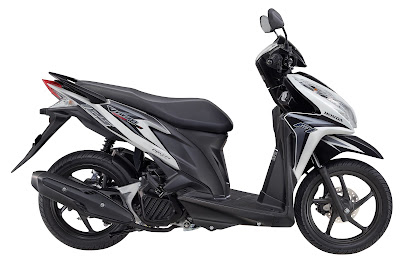 Vario Techno 125 PGM-FI Swift White Silver.jpg