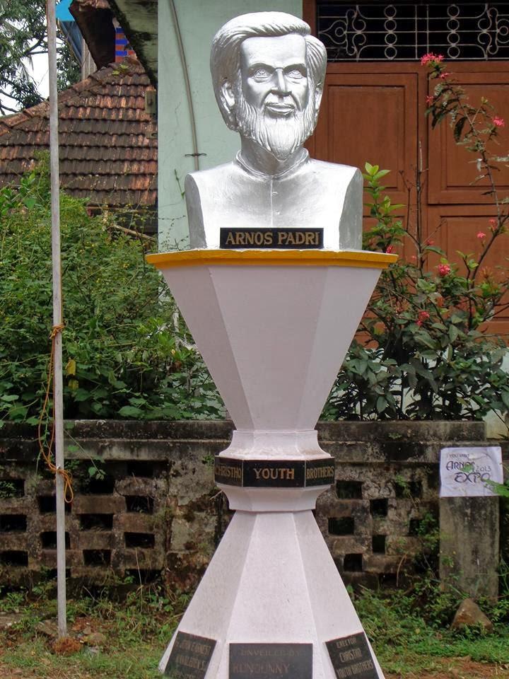 Arnos - Statue