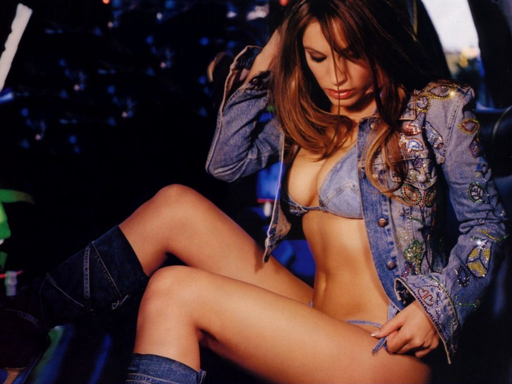 http://4.bp.blogspot.com/-aY4mj_o0puk/TXjHqdfkAbI/AAAAAAAAFU4/Z7gFnH7Ux2o/s1600/actress_kelly_brook_hot_wallpaper_sweetangelonly_37.jpg
