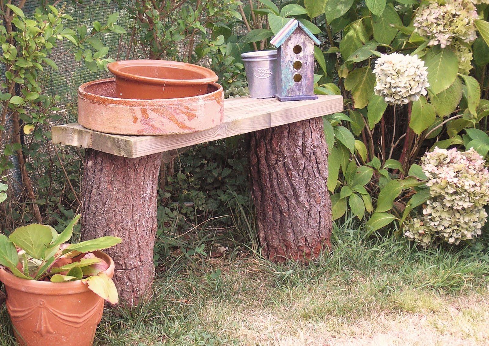 El desvan de mamen bancos para el jard n for Arboles preciosos para jardin