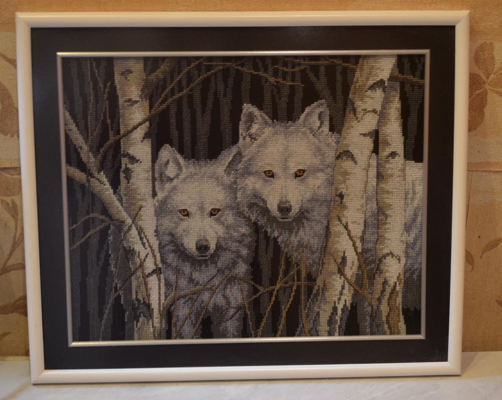 Волк в вышивках фото