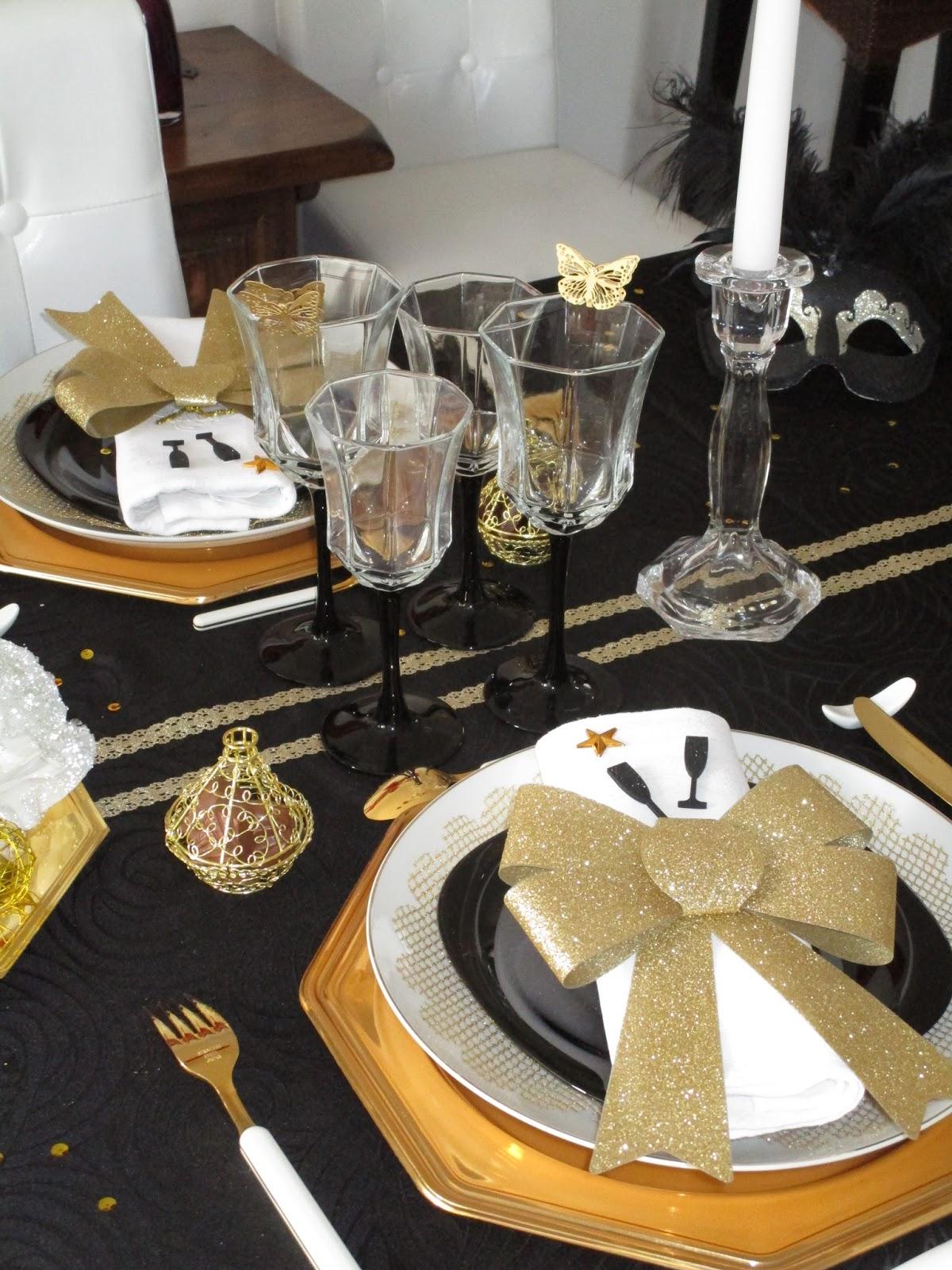nouvel an 2016 en noir et or d co de table th mes. Black Bedroom Furniture Sets. Home Design Ideas
