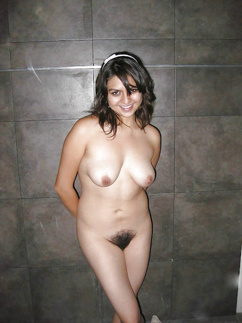 Desi Girl With Mature Hairy Pussy Exposed
