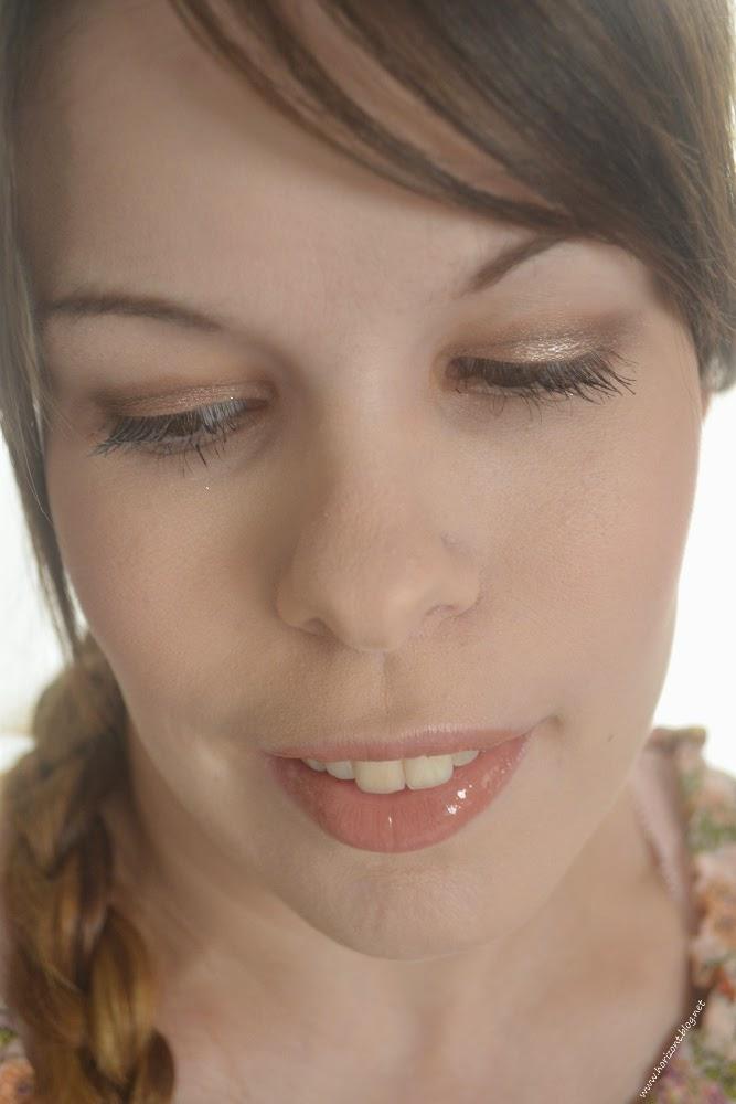 """Tragebild der Farbe """"Nude Illusion"""" der Color Elixir Lippen-Creme-Lack von Maybelline"""