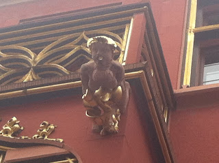 Goitre gargoyle on Whale House