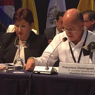 Domínguez Brito aboga en Guatemala por una América sin armas