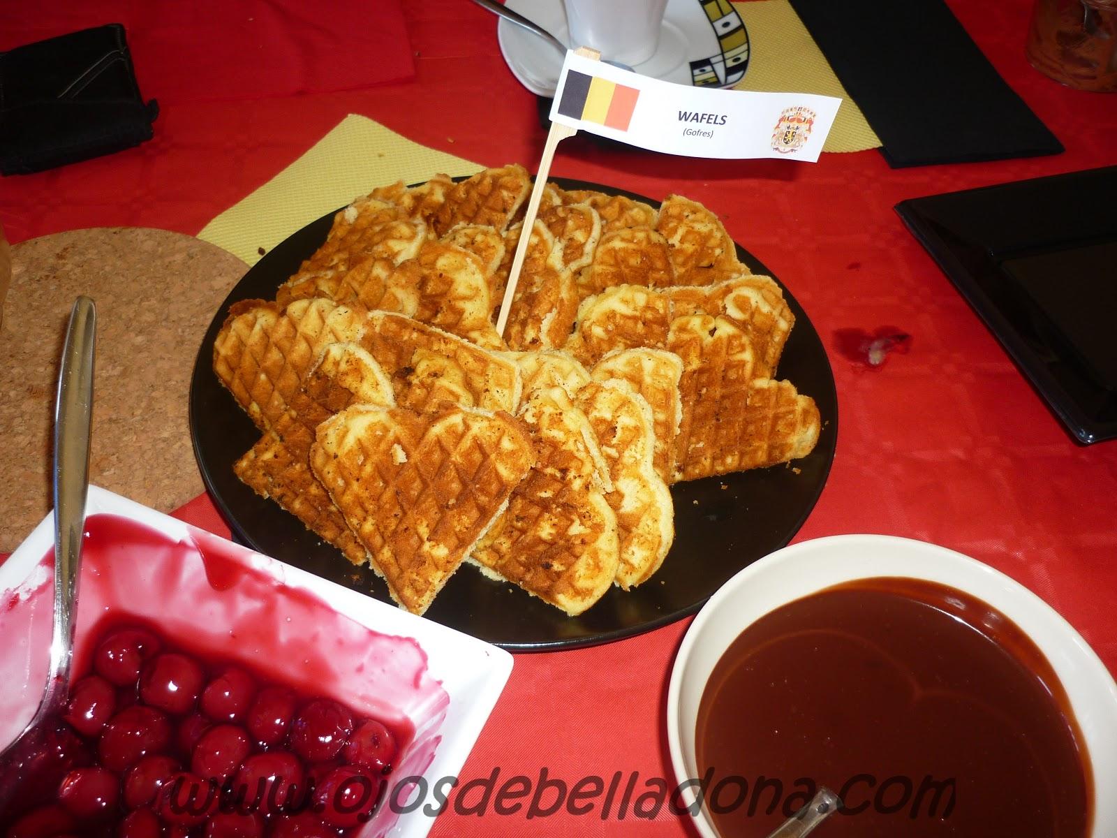 Wafels (Gofres) con chocolate y salsa de cereza, Bélgica