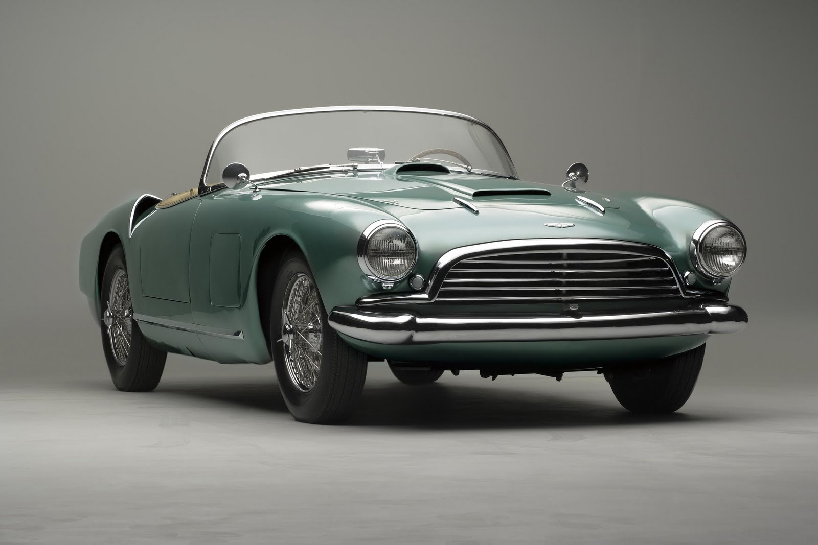 Aston Martin Vantage Alquiler - micochedelujocom