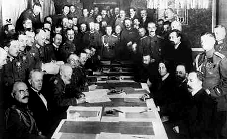 world leaders signed a treaty that would end the first world war The treaty of versailles (french: traité de versailles) was the most important of the peace treaties that brought world war i to an end the treaty ended the state of war between germany and the allied powers it was signed on 28 june 1919 in versailles, exactly five years after the assassination of archduke franz ferdinand which directly led to world war i the other central powers on the german side of world war i signed separate treaties.