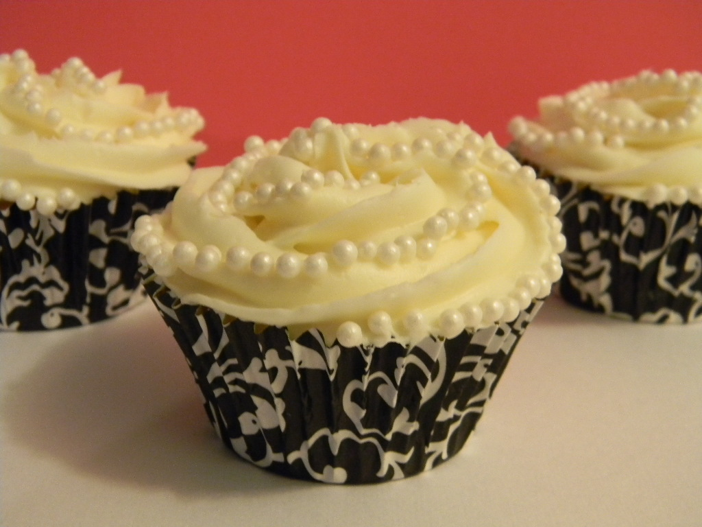 Brandy\'s Creations: Fancy Cupcakes With Pearls