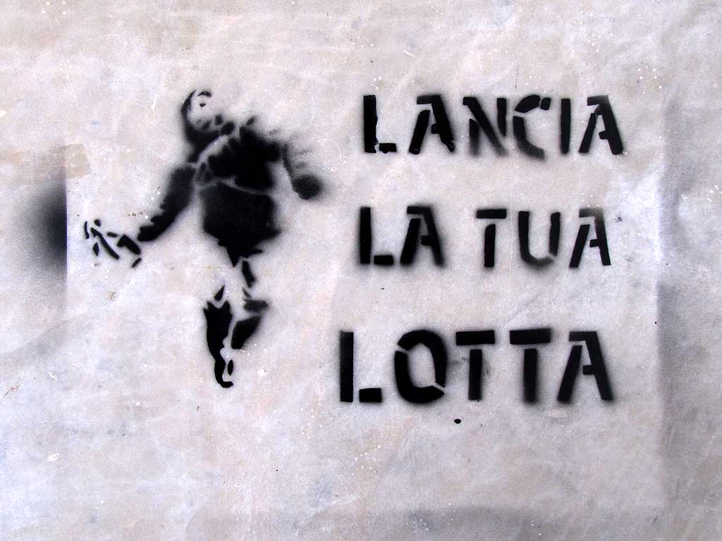 Lancia la tua lotta (Throw your struggle) stencil, Livorno