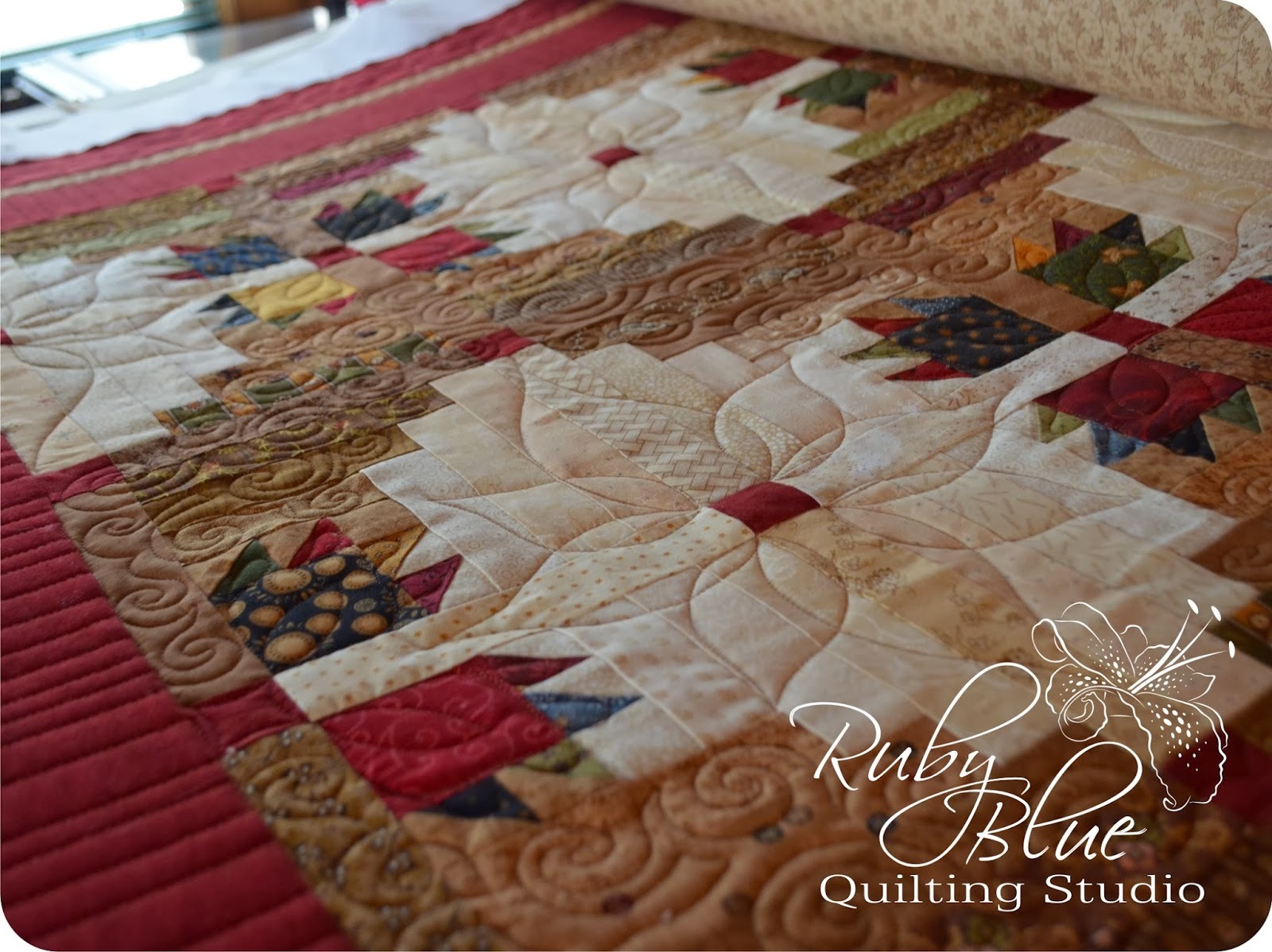 Ruby Blue Quilting Studio: Machine Quilting: Log Cabins