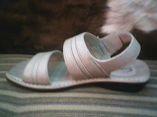 sandal carvil sesuai trendy sekarang