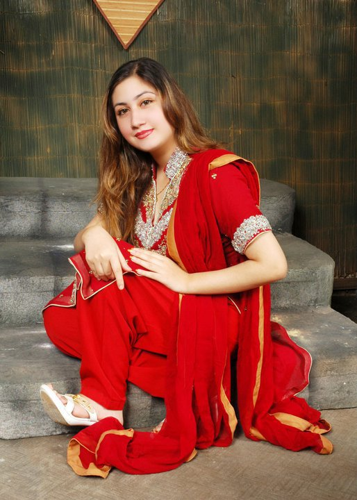 Pashto Pakistani Famous Singer Urooj Mohmand Latest HQ PicsPhotoshoots gallery pictures