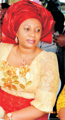 Akwa Ibom First Lady empowers over 200 multiple birth families