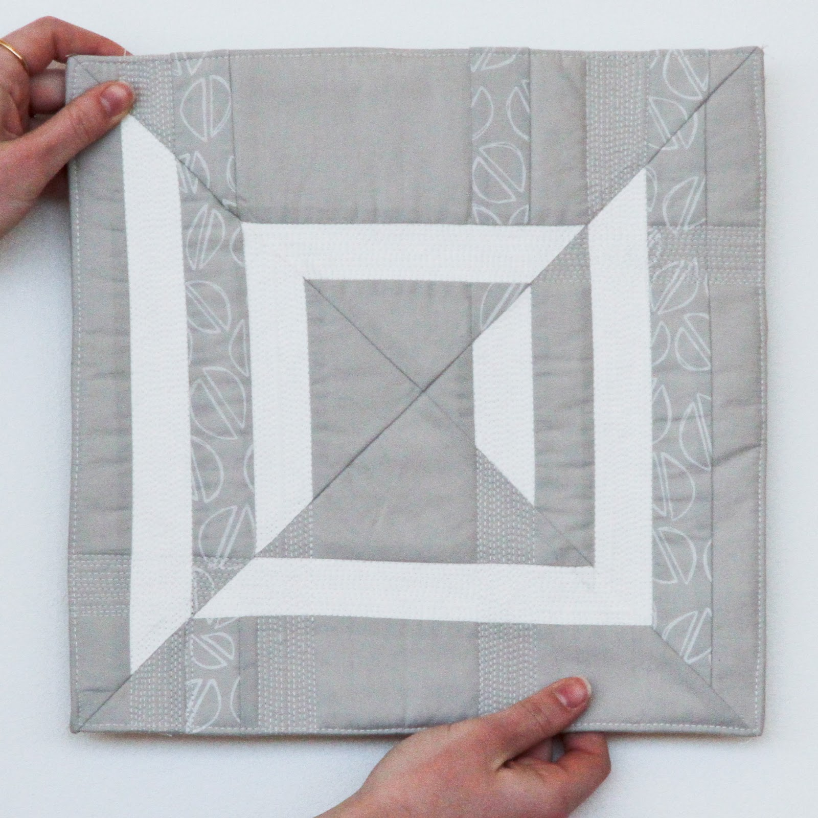 modern minimalist mini quilt | by Lovely and Enough