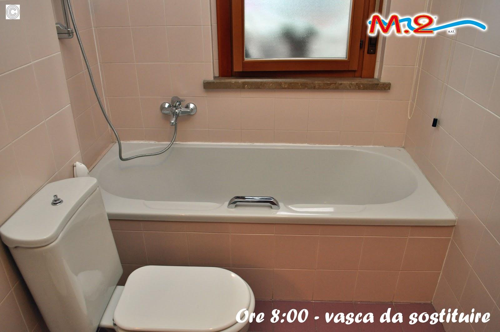 Sostituzione vasca da bagno in 3 muri con piatto doccia e anta di ...
