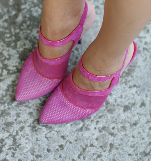 Cesare Paciotti pink sandals, fuchsia shoes, Fashion and Cookies, fashion blogger