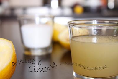 Zucchero, succo di limone, acqua e cacao. Scalda e spalma!