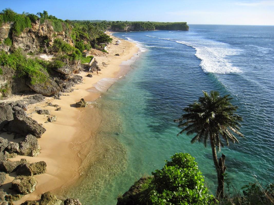 Playa secreta en Bali, Exótica playa en Bali, vacaciones a Bali, surf en Bali, luna de miel, aventura en Bali