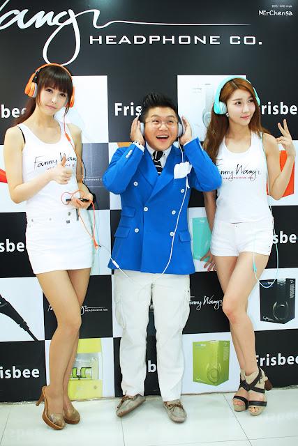2 Kang Yui for Fanny Wang Headphone-very cute asian girl-girlcute4u.blogspot.com