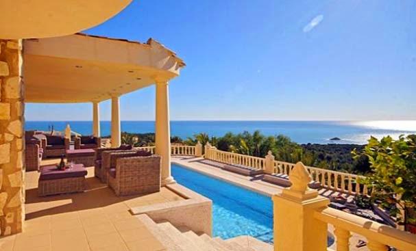 Les 10 plus belles maisons avec piscine au bord de la mer - Maison au bord de mer ...