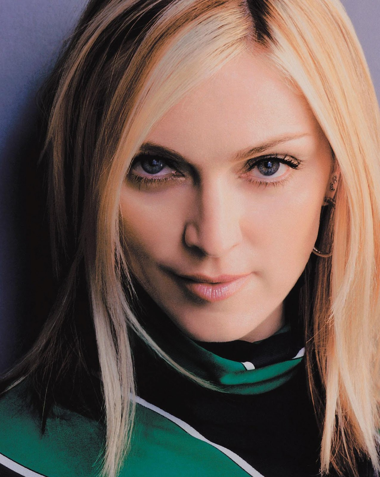 http://4.bp.blogspot.com/-ab4n1-YxBF8/T1mrHd-brZI/AAAAAAAAB8M/MMhFlEy-BKk/s1600/Madonna-world+music+(3).jpg