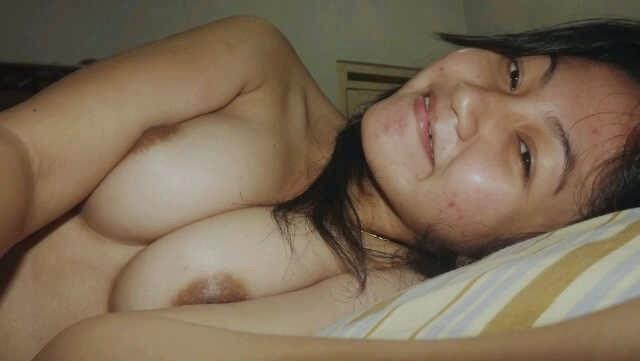 Mahasiswi Imut Narsis Bugil Mainan Toket Gede