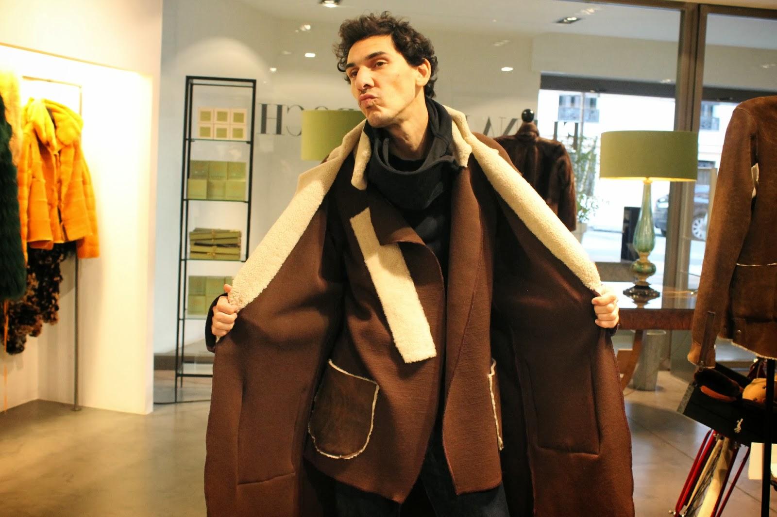 Jaime Barnatan, con un modelo de Yaël Barnatan
