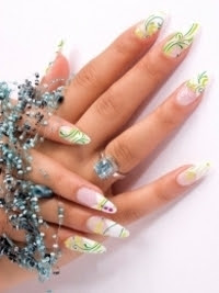 Pretty-Fall-2012-Nail-Art-Designs