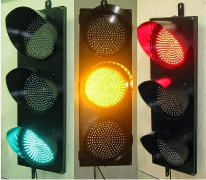 Hình ảnh đèn tín hiệu giao thông 3 màu D 200 xanh vàng đỏ