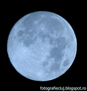 Episodul 6. Balansul de alb şi temperatura de culoare. Cum stăpânim corect modurile predefinite, etalonarea manuală și gradele Kelvin, pentru nuanțe perfecte Luna+albastra+DSC_7759